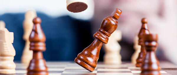 banner-knock-chess-piece