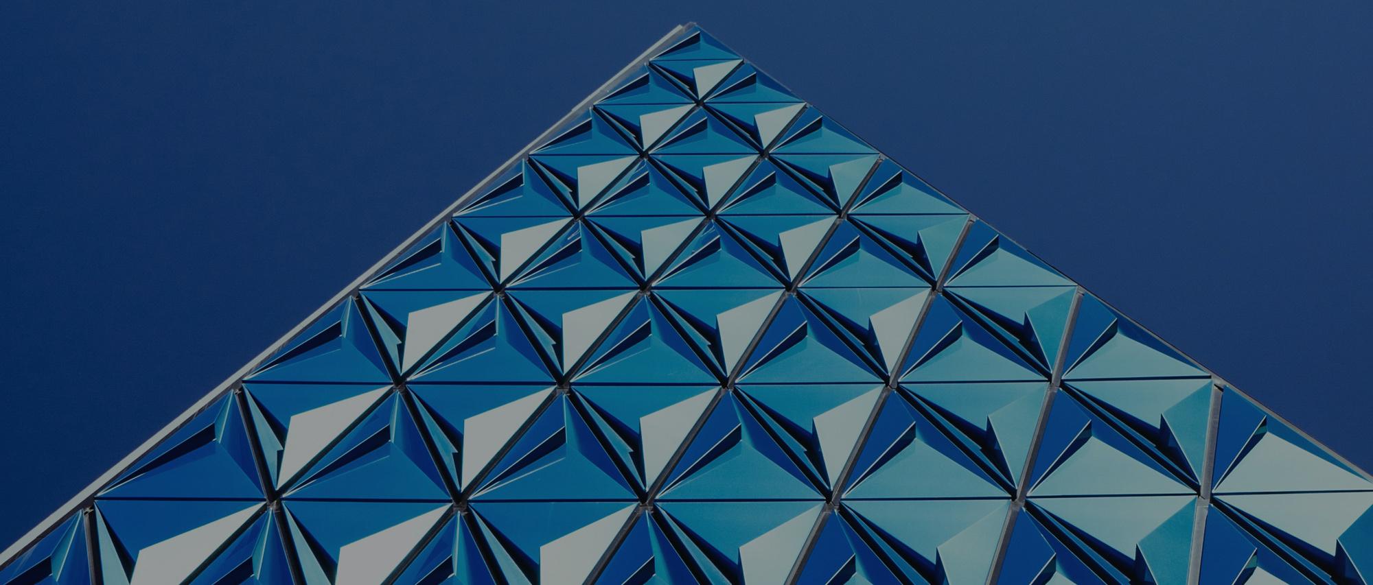 banner-pyramid-blue-sky-2