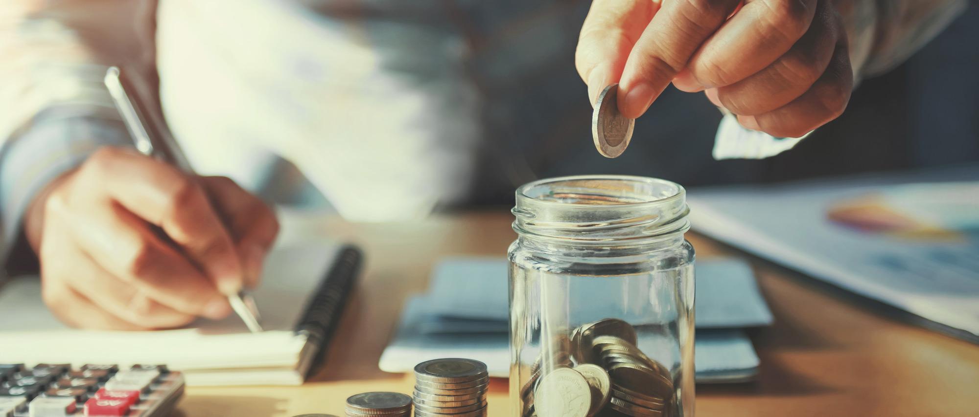 banner-money-in-jar